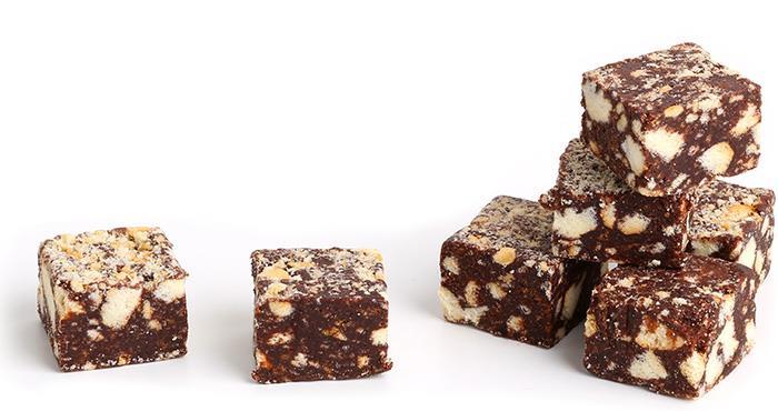 Quadrotti di salame al cioccolato